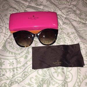 Kate Spade sunglasses in great condition